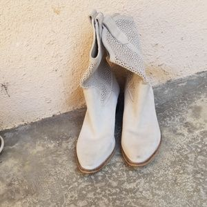 BCBG Tan Boots 10B Bastille